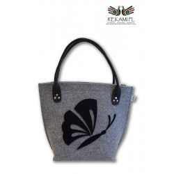 Jasnoszara torba z motylem z filcu